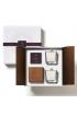 Dárková sada GIFT BOX: 2 svíčky a dřevěný svícen z masivu